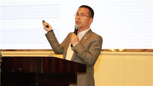 鼎捷软件云暨工业互联网事业部总监梁红柏.jpg